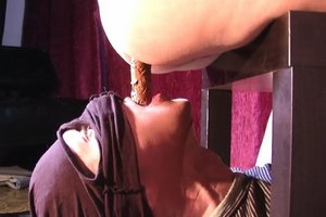 Mistress Diana takes a dump in her slaves mouth. Scat porn.