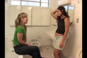 Beauty Fernanda poopingin the toilet 2