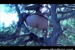 Nadia climbed up the tree and pooping
