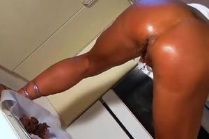 Girl pooping in the kitchen and took dick in the ass