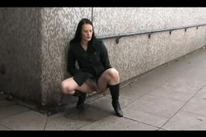 Chick pissing in the underpass