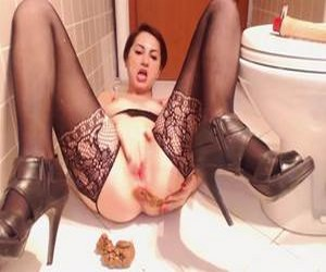 Girl pooping in front of the camera and masturbates